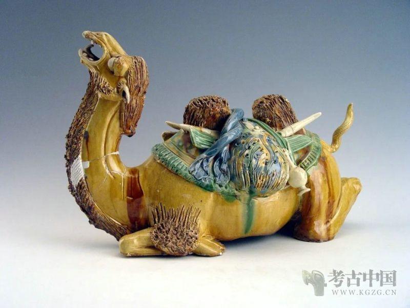 鞠鑫海:小小的驮鞍 大大的世界——三彩载物卧驼俑