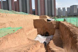 陕西:西安一处古墓葬中发现大量约2000年前生活用品