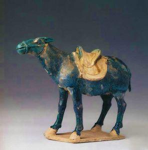 唐代 · 蓝釉陶驴(中国国家博物馆)