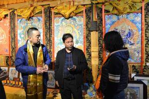 青海省博物馆开展文物保护(唐卡)修复项目调研工作