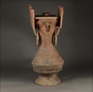 战国 · 彩绘云纹陶盖壶(深圳博物馆)