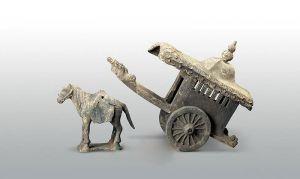 元代 · 黑陶马车(陕西历史博物馆)