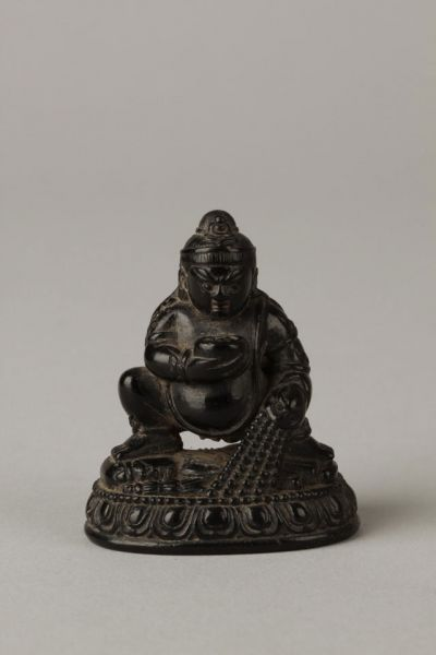 明代  ·  石雕佛像(南京博物院)