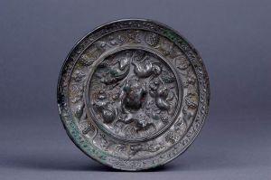 唐代 · 海兽葡萄纹铜镜(天水市博物馆)