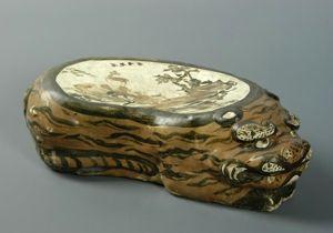 金代 · 酱釉黑彩虎形枕(河南博物院)