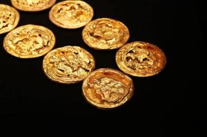江西:海昏侯刘贺墓主棺实验室考古发现细节公布