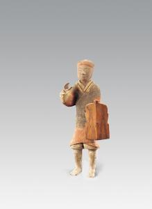 西汉 · 彩绘持盾步兵俑(陕西历史博物馆)