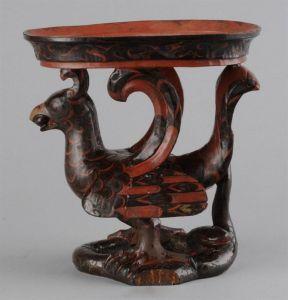 汉代 · 彩绘云气纹朱雀攫蛇漆豆(安徽博物院)