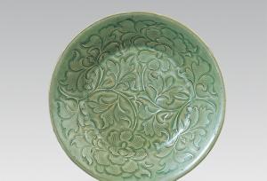 宋代 · 耀州窑青瓷刻花碗(陕西历史博物馆)