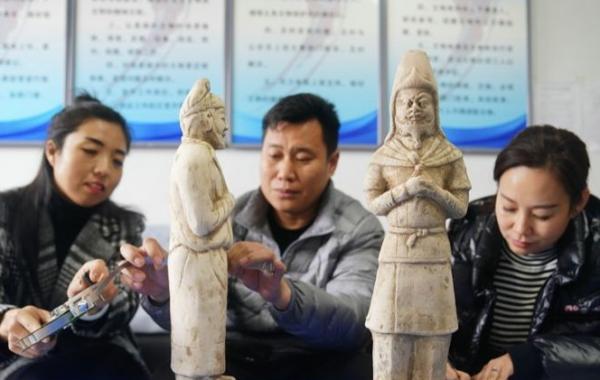 河北南和发现三尊唐代白陶胡人俑
