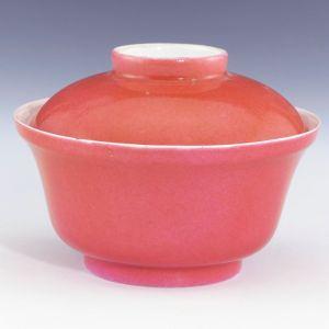 清代 · 景德镇窑胭脂红釉盖碗(上海博物馆)