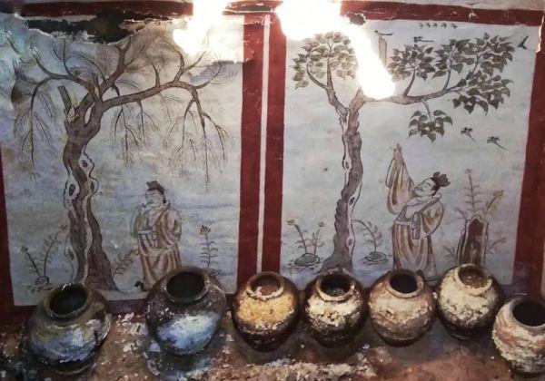 山西太原一工地发现唐代墓葬 壁画精美完整