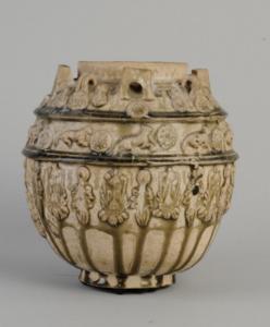 南朝 · 寿州窑青釉贴塑罐(安徽博物院)
