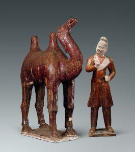 唐代 · 三彩胡人牵驼俑(甘肃省博物馆)