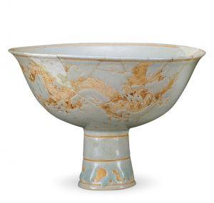 明代 · 泥金龙纹瓷锺(湖北省博物馆)