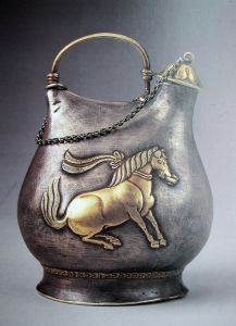 吴从周:鎏金舞马衔杯纹银壶——唐王朝盛极而衰的挽歌