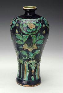 明代 · 珐华釉花卉纹梅瓶(湖南省博物馆)