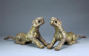 汉代 · 错金银铜虎(南京博物院)