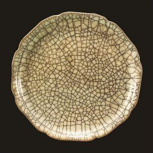 宋代 · 哥窑灰青釉瓷盘(南京市博物馆)