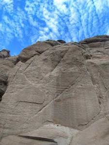 甘肃:靖远新发现岩画点为古代游牧民族黄河流域生活提供佐证