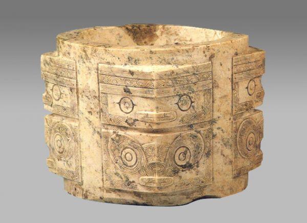 新石器 · 神人兽面纹琮(南京博物院)