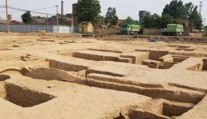 河南:济源一建筑工地发掘出61处古墓葬 出土文物达300余件