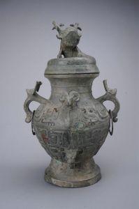 西周·羊首兽面纹铜罍(四川博物院)