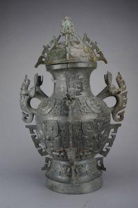 西周 · 象首耳卷体夔纹铜罍(四川博物院)
