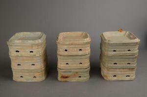 五代 · 越窑秘色瓷方形高足套盘(吴中博物馆)