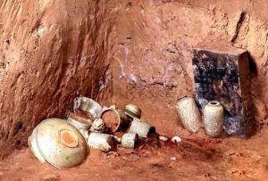 陕西:西安发现北宋孟氏家族墓地 出土罕见耀州窑青釉瓷器