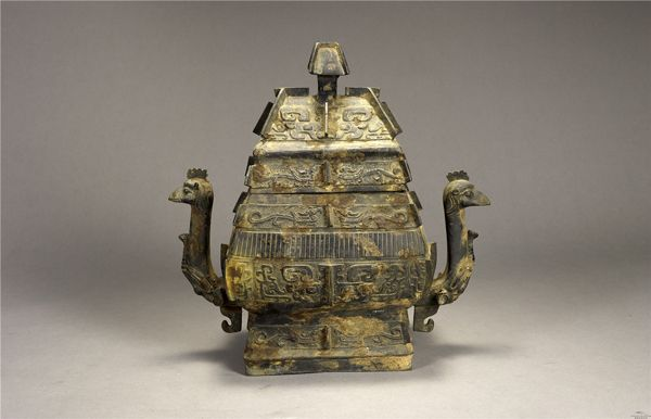 清代 · 凤鸟纹方罍(湖南省博物馆)