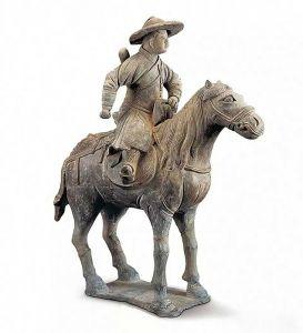 元代 · 灰陶骑马男俑(陕西历史博物馆)