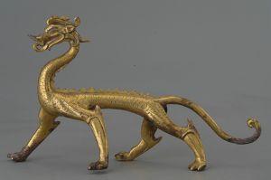唐代 · 鎏金走龙(西安博物院)