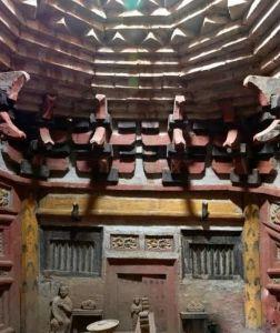 山西:发现金代砖雕墓 墓室雕刻墓主手执经卷佛珠