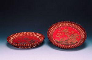 清代 · 长春菊盘(辽宁省博物馆)