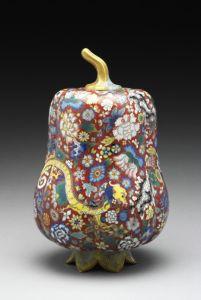 清代 · 掐丝珐琅夔龙花卉纹瓜式盖罐(故宫博物院)