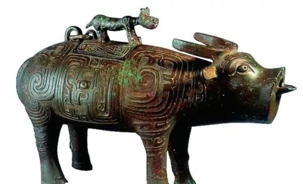 青铜器上的动物世界