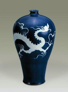 元代 · 蓝釉白龙纹梅瓶(扬州博物馆)