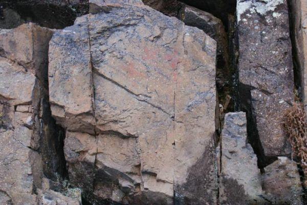 """""""中国最冷小镇""""呼中发现距今约7000年岩画"""