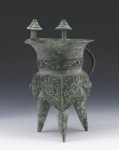 商代 · 兽面纹斝(上海博物馆)