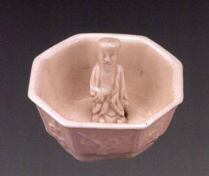明代 · 德化窑八角梅花酒令杯(宁夏博物馆)