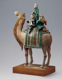 唐代 · 三彩釉陶载乐骆驼(中国国家博物馆)