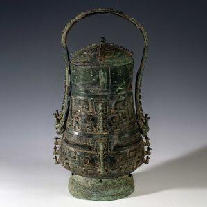 商代 · 兽面纹提梁壶(湖南省博物馆)