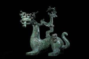 春秋 · 青铜神兽(河南博物院)