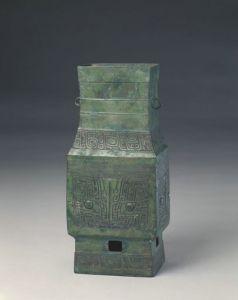 商代 · 兽面纹方壶(故宫博物院)