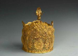 辽代 · 镂空凤鸟纹金冠(甘肃省博物馆)