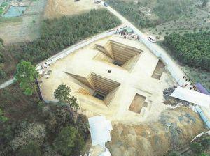 湖北:沙洋发现楚国贵族家族墓地 出土虎座鸟架鼓等器物