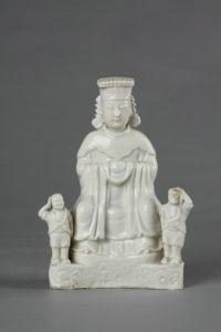 明代 · 德化窑妈祖坐像(福建博物院)