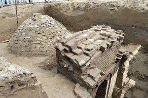 河北:固安一工地发现辽代墓葬 内存壁画